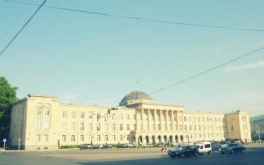 Rathaus in Gori 2015, jetzt ohne Stalin Statue.