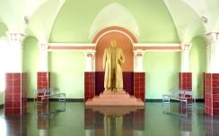 Stalin im Wartesaal des Bahnhofs von Gori.