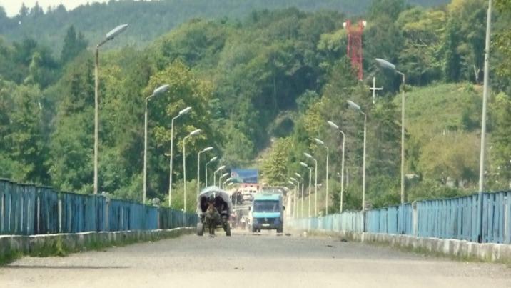 Enguri-Brücke nach Abchasien (2012).